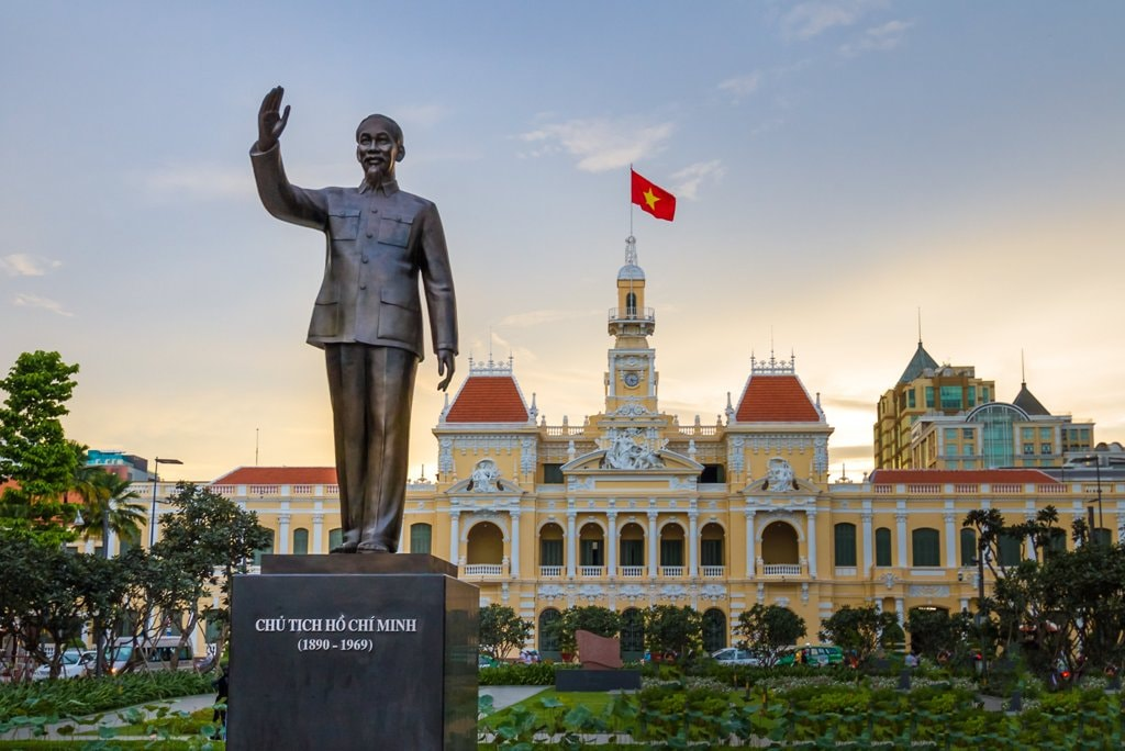 Image of fort and a statue of Chu Tich Ho Chi Minh in the Ho Chi Minh City of Vietnam